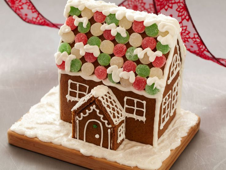 Didn't make it to our Family Gingerbread house decorating event? Find out how you can create your with this Gingerbread house guide. fcgov.com/thefarm
