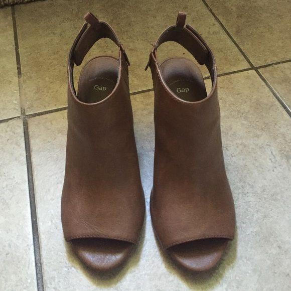 Gap heels Super cute gap heels-used once GAP Shoes