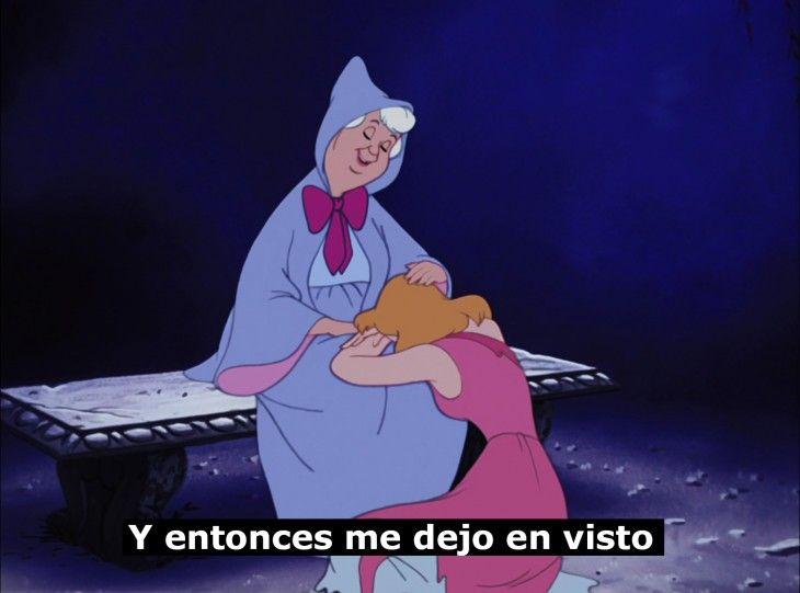 Meme con la escena de la película la cenicienta cuando está llorando con la hada madrina