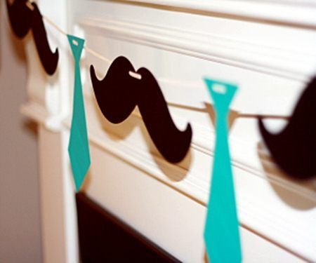 I like the idea of using two graphics for a bunting, rather than just triangles or circles.