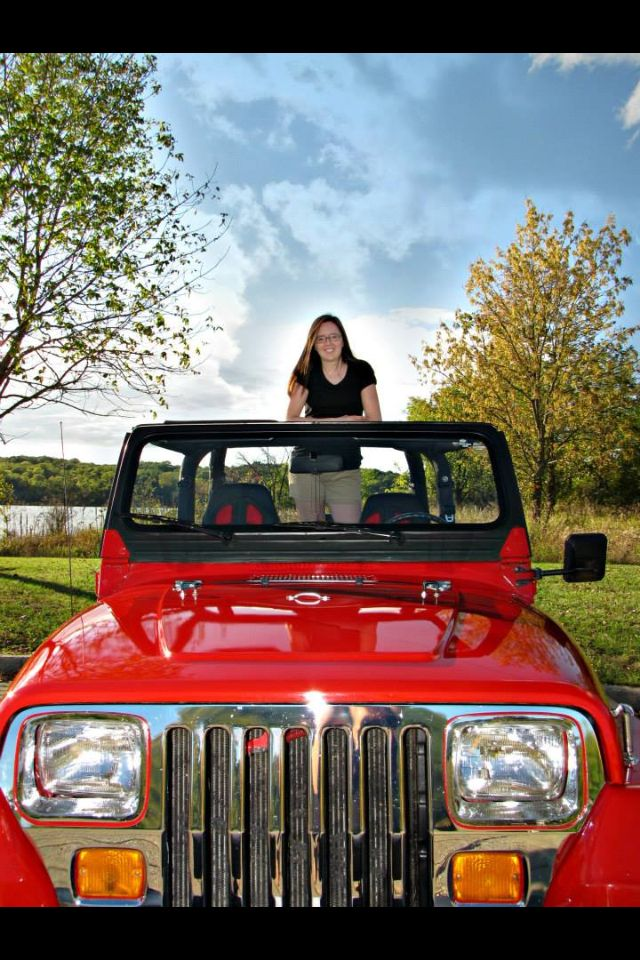 Senior picture with the jeep | Photography | Pinterest ...