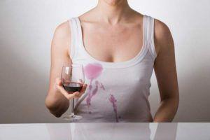 Truque para remover mancha de vinho tinto