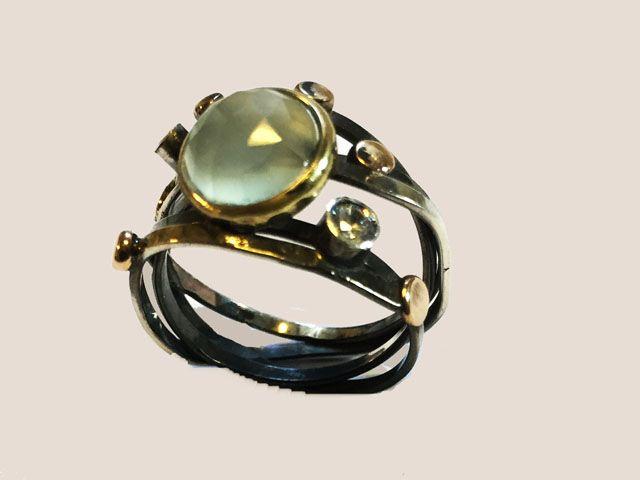 Oxyderet ring med aqua calcedon og zircon