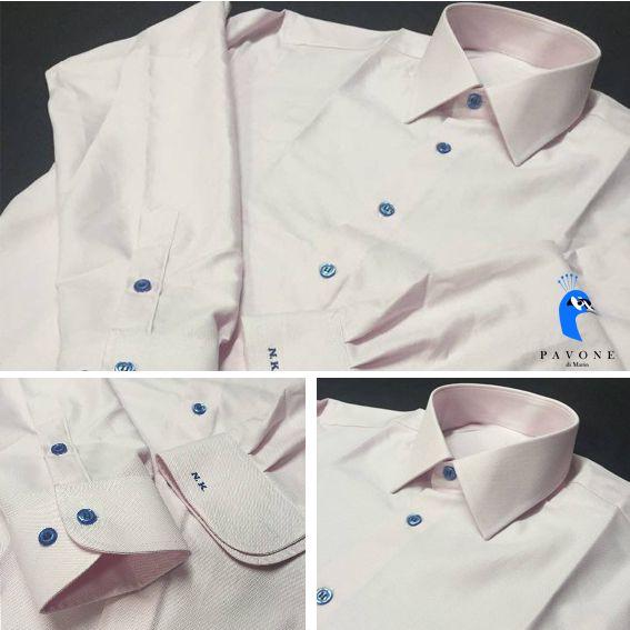 Τρικολίνα Ιταλίας (βαμβάκι) Γιακάς Ημι-Rex,Μανσέτα στρογγυλή. Μονόγραμμα στην μανσέτα με λατινικούς χαρακτήρες στο χρώμα του κουμπιού.  Κουμπί μπλέ ρουά,κουμπότρυπα στο χρώμα του πουκαμίσου.