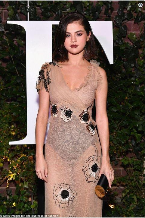 Linda Selena Gomez - vamos copiar a maquiagem? Que tal já? Compre em até 12 x - Entrega em até 48horas (região de Campinas) - Avon, Natura, Mary Kay, Boticário e Korres Pronta Entrega.