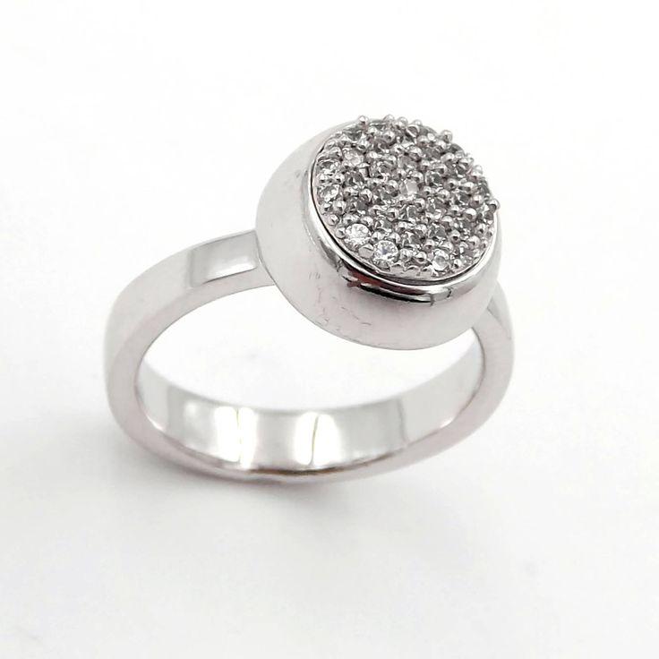 Anello da donna in argento 925‰ con centrale tondo pavè zirconi bianchi-Women's 925 silver ring or white zirconcircular center-GioielliAurum di GioielliAurum su Etsy
