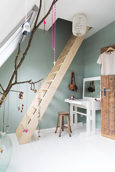 Love the ladder leading to the loft space for extra room!