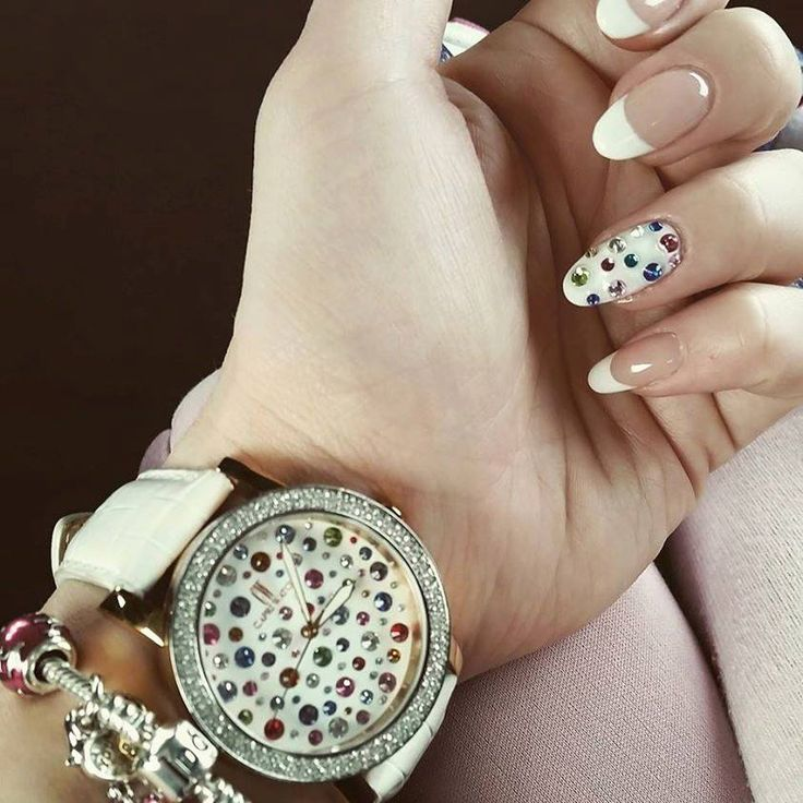 Ancora Capriwatch and nail art.