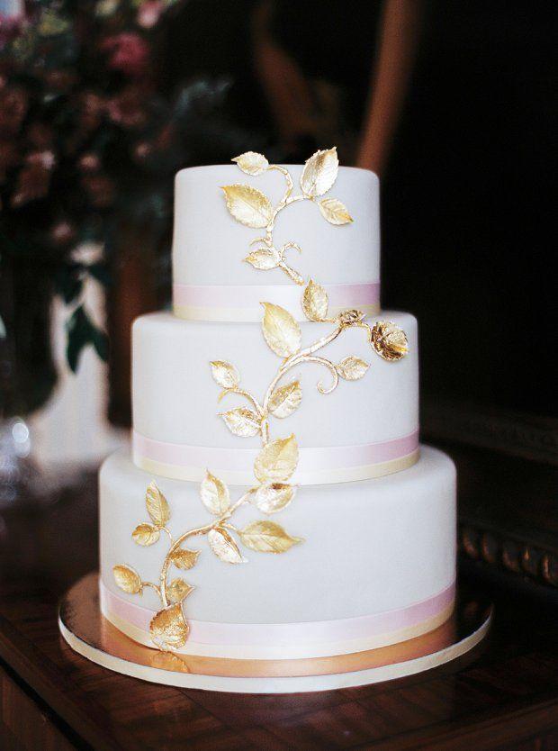 #Hochzeitstorte in weiß und gold ❤️von Madame Miammiam | #Weddingcake
