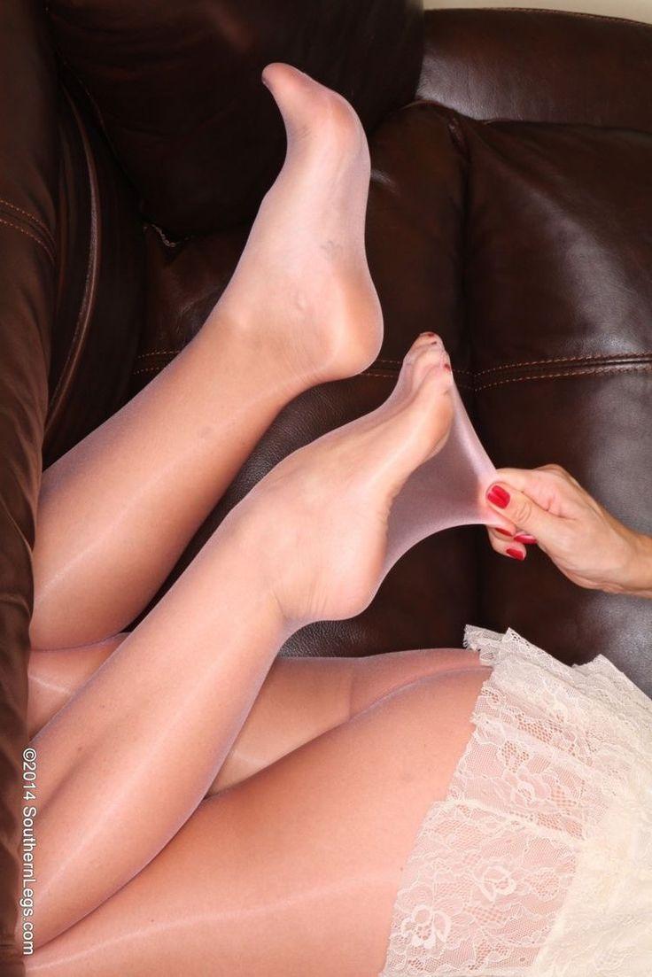 Pantyhose Women Seeking Foot Play