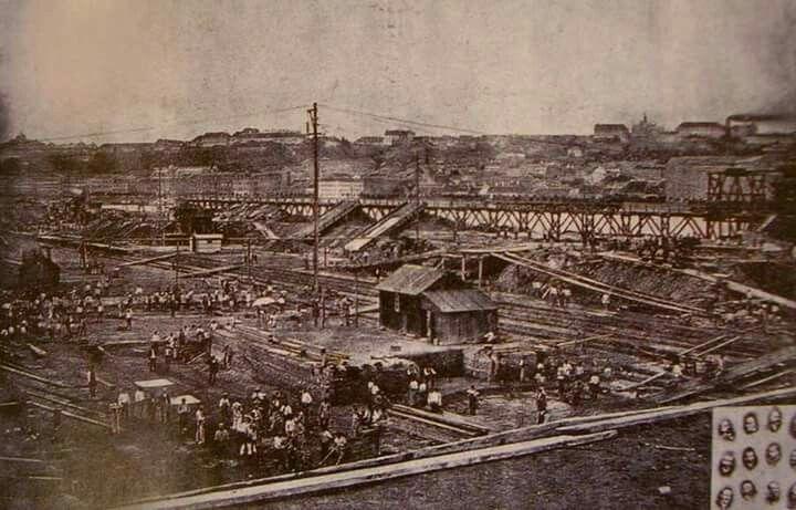 A Parlament építésének megkezdése, 1885.