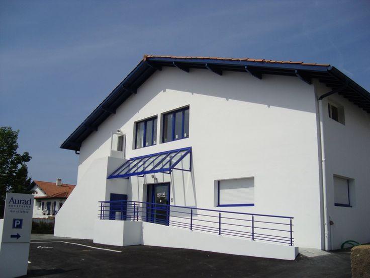 Transformation d'un ancien entrepôt en antenne de DIALISE à St Jean de Luz et Anglet par l'entreprise de construction Castagnet à Ascain