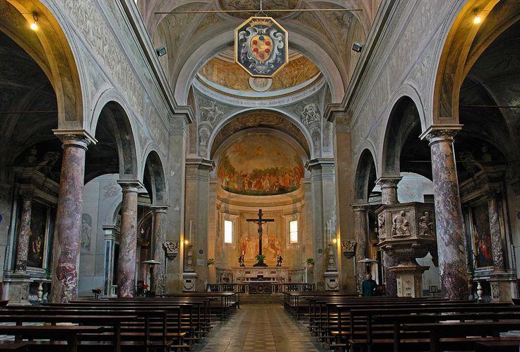 Pietrasanta Cathedral  http://www.charminly.com/discovering-pietrasanta-and-carrara/