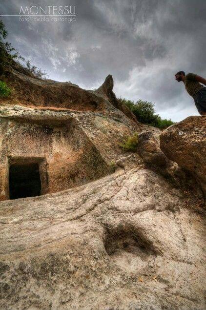 Domus de janas .Montessu case di fate di 5000 anni fa..Sardinia/Cerdeña.