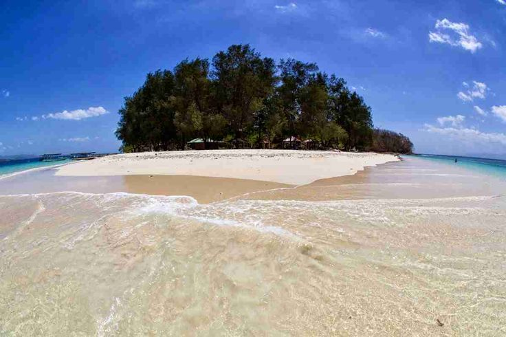 Gili Nanggu, the beauty of a private village. Gili Nanggu, which is located at the west side of Lombok