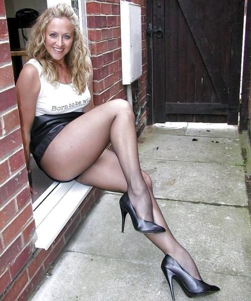 Cougar showing pantyhose