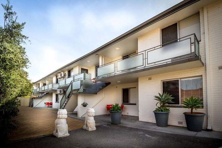 Luxury Short Stay Accommodation in Inglewood - Home From Home