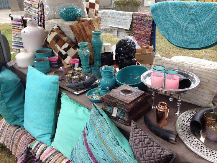 leuke turquoise accessoires, zoals kussens, vazen,schalen, Deco ideeën