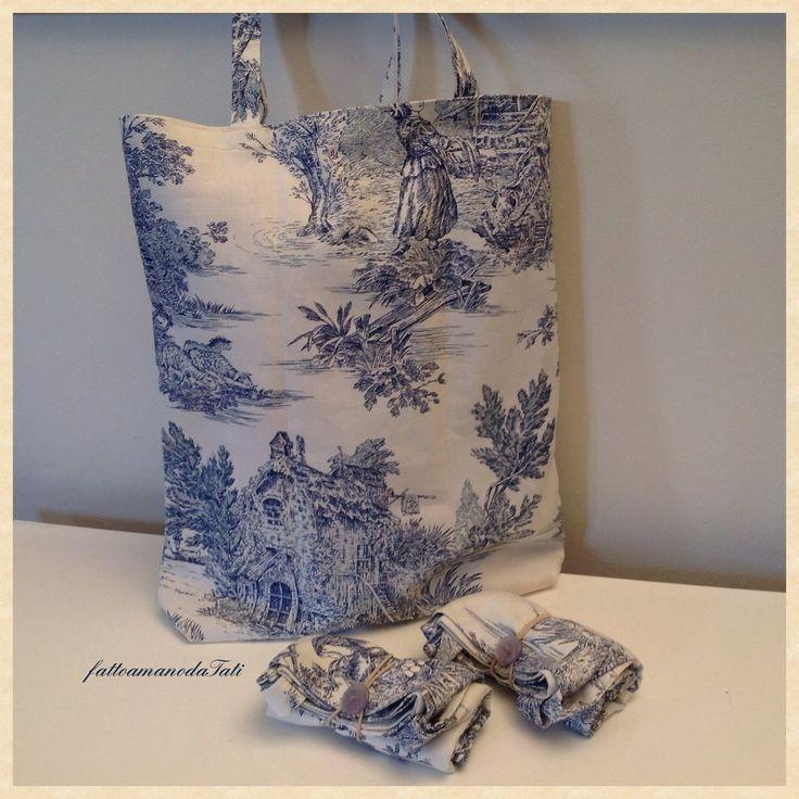 Shopping bag richiudibile in cotone con scene campestri blu, by fattoamanodaTati, 12,00 € su misshobby.com