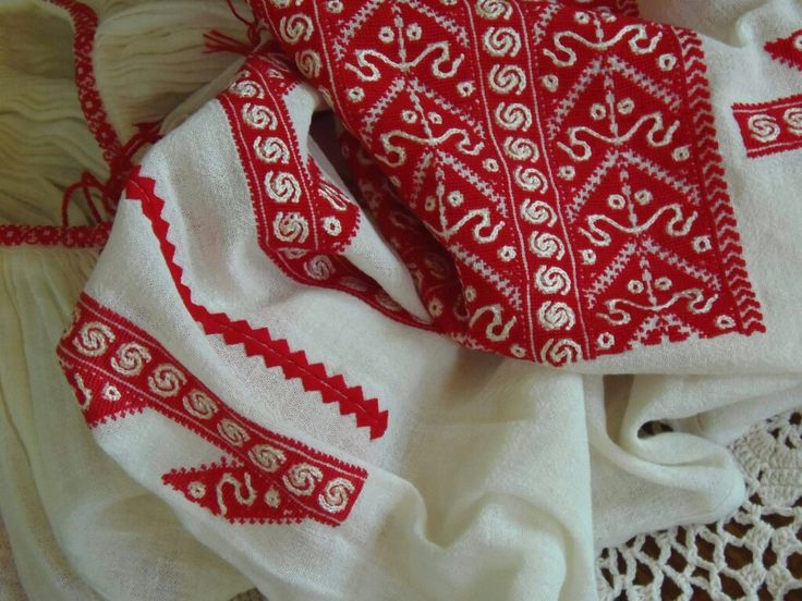 Romanian blouse detail. Hand embroidered. Daciana Ungureanu collection