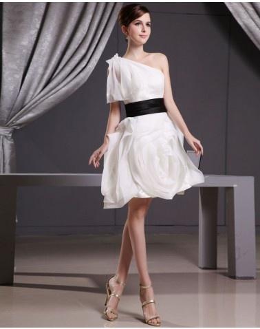 Vera Wang One Shoulder Short Wedding Dress