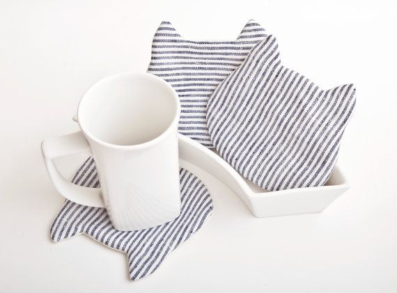 He encontrado este interesante anuncio de Etsy en https://www.etsy.com/es/listing/150106602/cat-fabric-coasters-for-cups-set-of-4