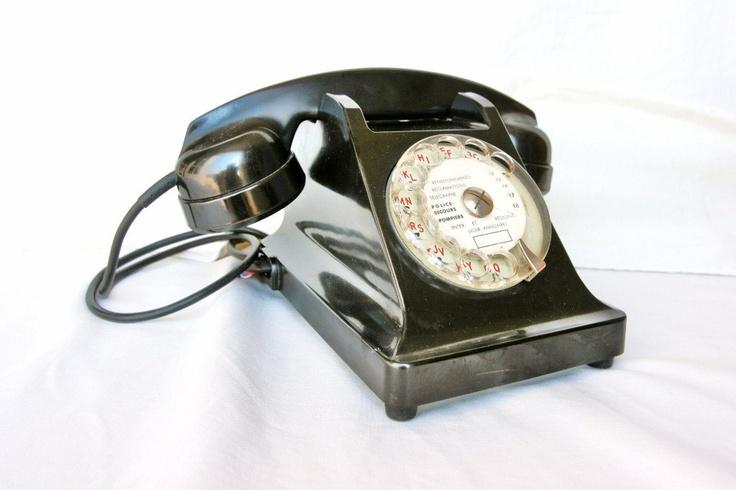 French, Art Deco black bakelite telephone