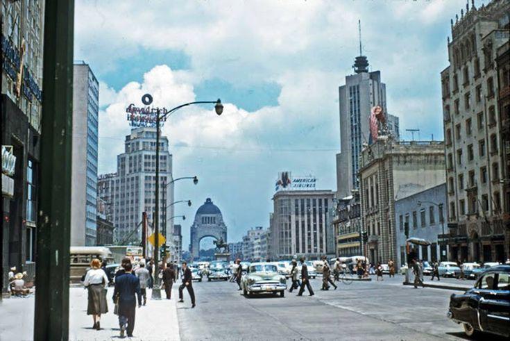 Nostalgia urbana: un recorrido virtual por la constante evolución de la avenida Juárez