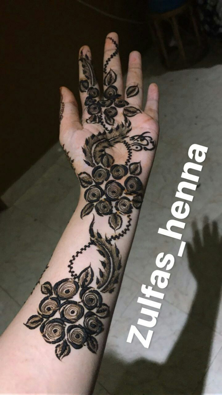 Black Henna Tattoo Dubai: Flowers Henna - UAE Style - Dubai Style
