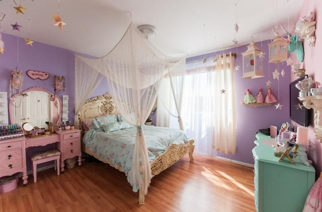 Artist Kelly Eden's home is a magical fairy princess house in meticulously decorated in soft pastels.