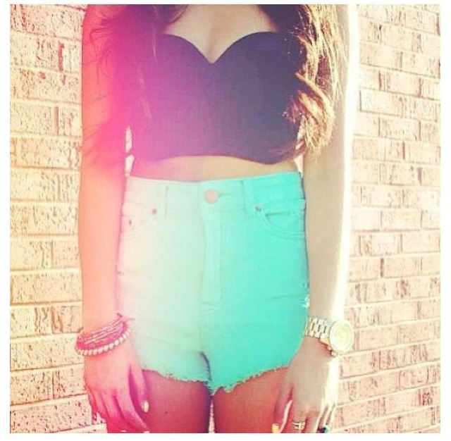 summer outfit crop top high waisted shorts outfits