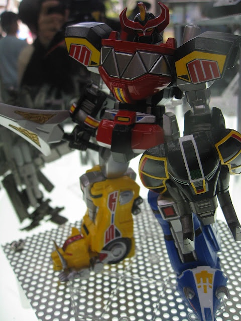 Mighty Morphin Power Rangers Megazord Toy