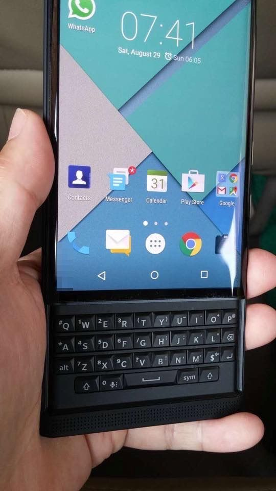 A leaked picture of the nextgen Blackberry smartphone! Codename Venice, this slider smartphone is rumoured to have a 5.4 inch display, 18 Megapixel camera, a Snapdragon processor, and it runs on Android. It also looks like a November release is most likely!
