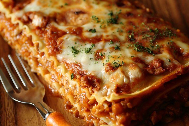 Come preparare in casa le lasagne senza besciamella, una variante deliziosa della ricetta classica