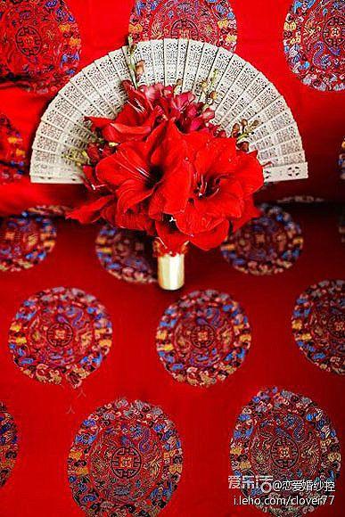 Pretty idea for fan in the bouquet