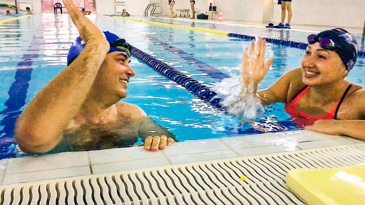 Недавно в моей жизни начались серьезные перемены. Я решил заняться спортом.  ТРЕНЕР ПО ПЛАВАНИЮ  Мой любимый вид спорта — плаванье. И так совпало, что наша клиентка и подруга, Оля Береснева, — чемпион Европы по марафонскому плаванью, согласилась тренировать меня и сделать так, чтобы я окончательно привел свое тело в порядок.  Мы уже провели шесть потрясающих тренировок. Каждую тренировку мы увеличиваем нагрузку и улучшаем результат. И вот только что я проплыл 2000 метров. Я в жизни сколько…
