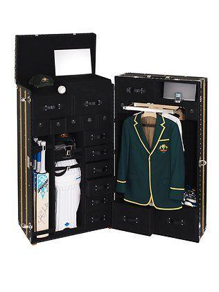 Michael Clarke cricket trunk