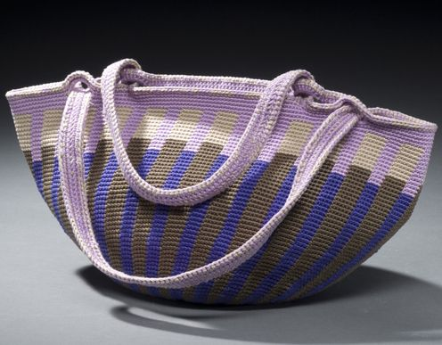 PATTERNFISH - Tapestry Crochet Fat Bottom Bag With Slimming Vertical Stripes for Right Handed Crocheters