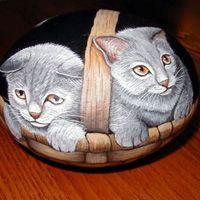 Cestino con gatti
