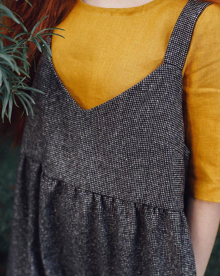 Вы уже видели этого красавца? Шерстяной сарафан, невероятный просто  будет радовать вас с сентября по май, поверьте. Есть в двух цветах. Цена 5900.  другие вещи в наличии по ссылке в профиле @prostokrasivo.wear