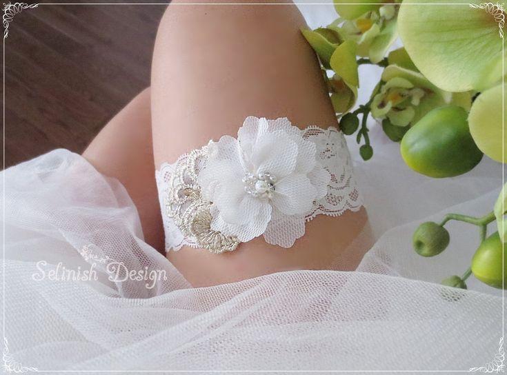 Ivory Wedding Garters, Ivory Bridal Garter, Something Ivory, Gold and Ivory Flower Garters, Bridal Garter, Lace Garter by SelinishDesign on Etsy