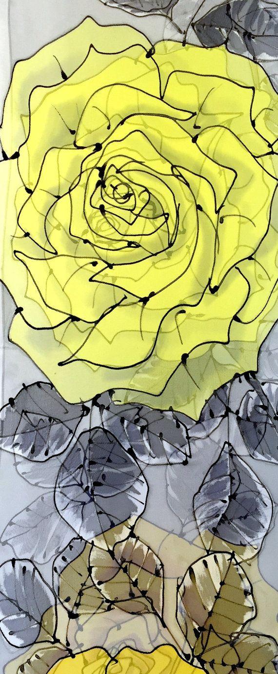 Se trata de una bufanda de seda con audazmente dibujado a mano grande amarillo rosa diseño de pintado a mano larga y escarpada.  La roca amarilla y rosas bufanda es una bufanda de seda larga elegante gris, negro y amarillo dibujo de rosas con tallos entrelazados. Esta bufanda de seda larga expresa el sentimiento romántico con un estilo urbano.  ---HECHO POR ENCARGO--- Este pañuelo de seda pintadas es un elemento de orden. Su nueva bufanda se recrea y se enviarán dentro de 10 días hábiles…
