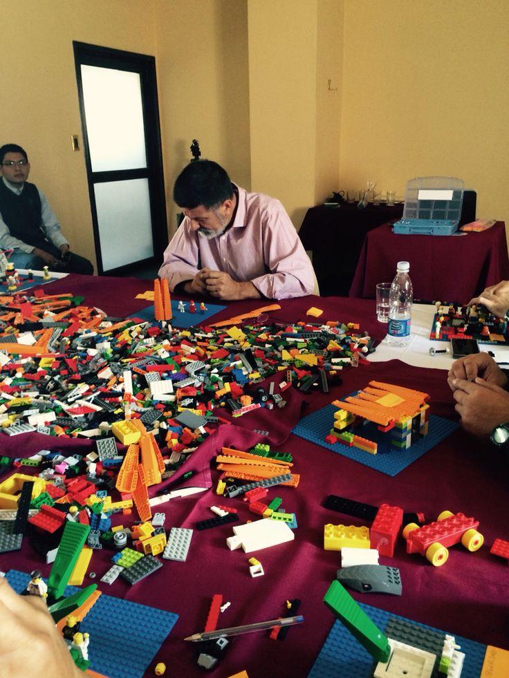 Estrategia en tiempo real con lego serious Play