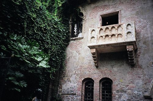Juliet's Balcony: Favorite Places, Verona Italy, Balconies Italy, Italy Bi, Bi Alan, Giuliett Balconies, Alan Cordova, Balconies Verona, Italy Juliet Balconies