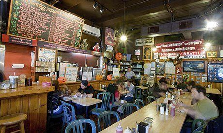 Mr Bartley's, a burger restaurant in Cambridge, Massachusetts, Boston Travel Tips