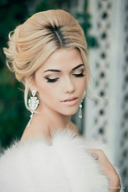 This is somewhat how I imagine myself to look on my wedding day...but without those roots!  Ew.
