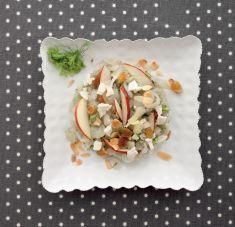 Crauti di finocchio allo zenzero con insalatina di mela e caprino