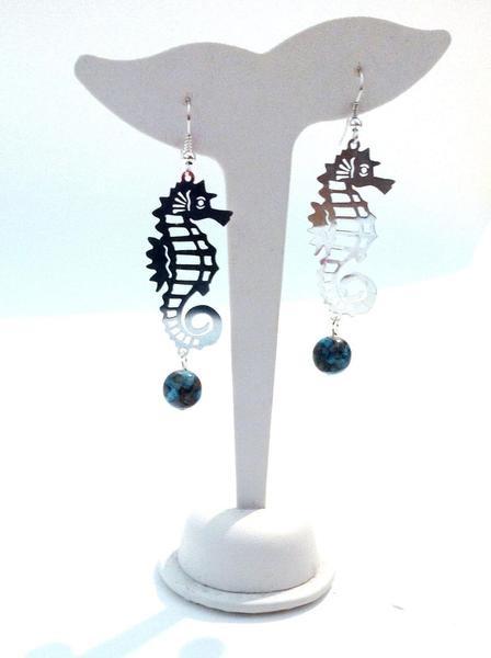 Handmade earrings with glass beads and metal seahorse -http://www.facebook.com/FrancescaC.handmadejewels