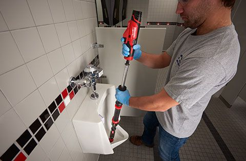 Milwaukee helps plumbers bust through clogs with the new Milwaukee M12 TrapSnake Auger optimized for porcelain fixtures and featuring replaceable cables!    #milwaukeetool #trapsnake #auger #clog #plumbers #plumbing #NBHD #maintenance #toilet #urinal #tools #powertools #cordlesstools https://www.protoolreviews.com/trades/plumbing-trades/milwaukee-m12-trapsnake/28341/