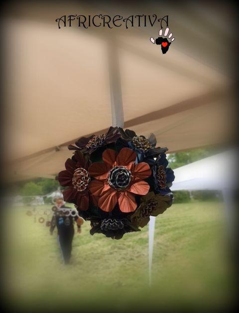 AFRICREATIVA: Addobbo floreale da appendere con riciclo cialde del caffè